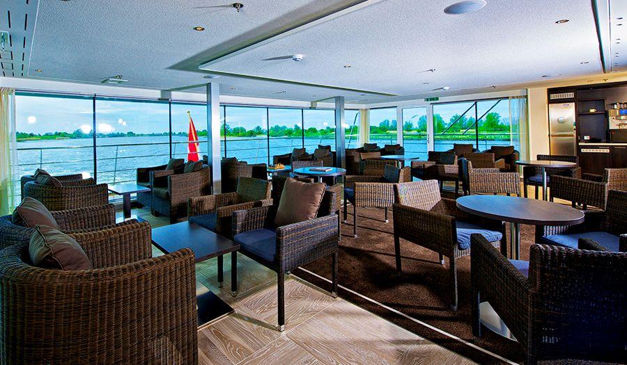 Avalon Vista-dining-