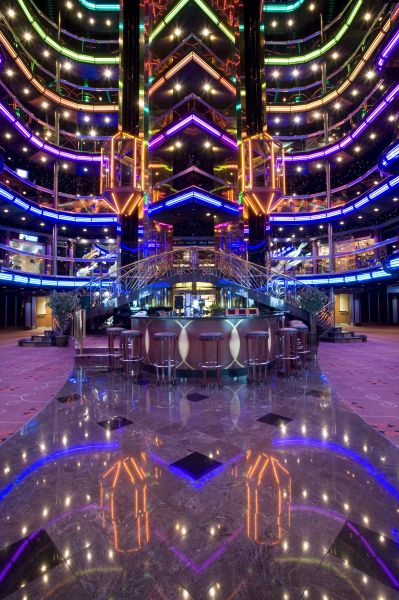 Carnival Fascination-entertaiment-Atrium & Lobby Bar