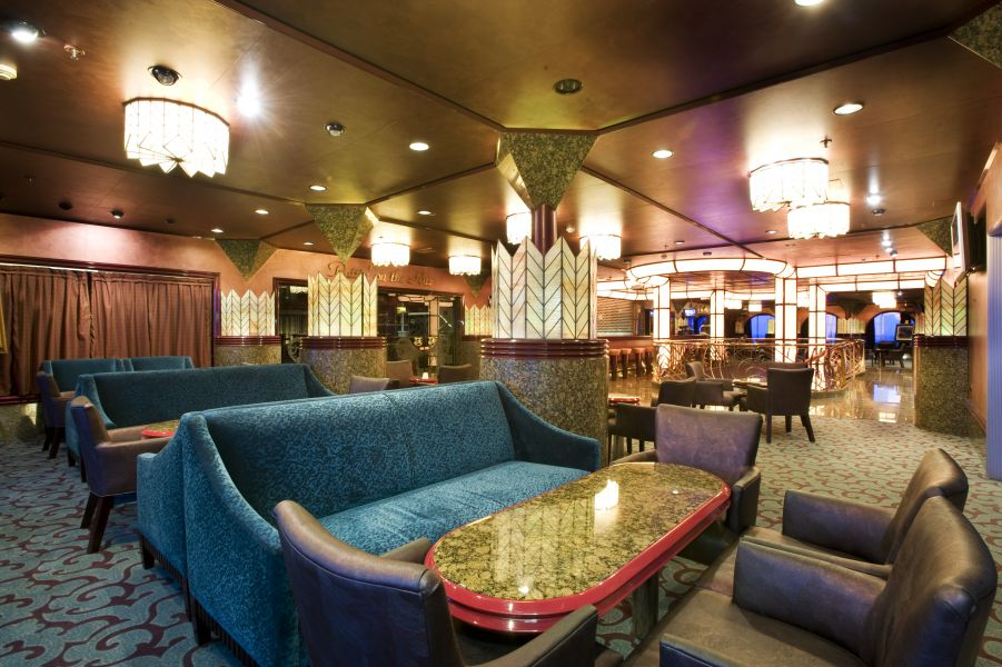 Carnival Fascination-entertaiment-Beverley Hills Bar