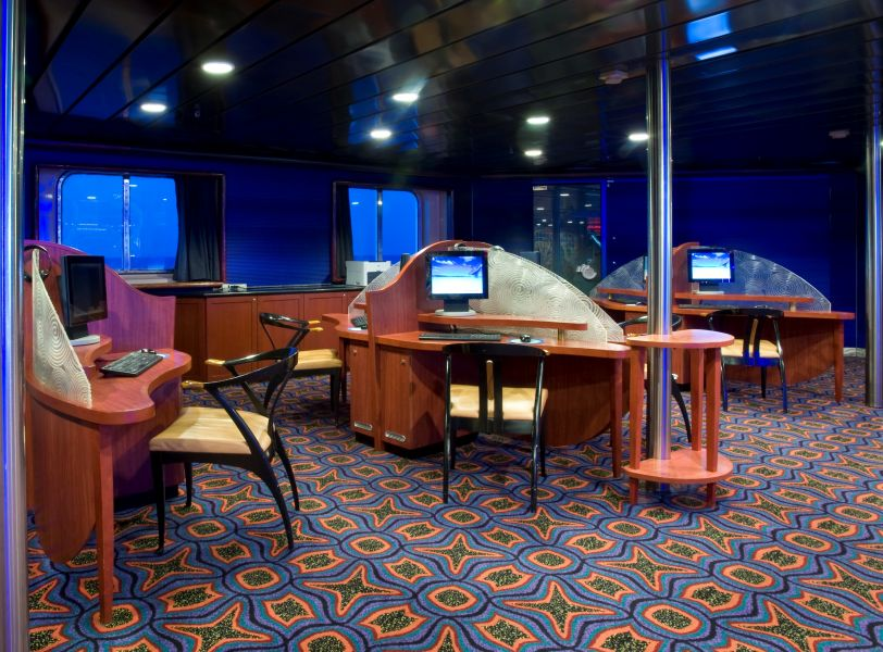 Carnival Fascination-entertaiment-Internet Café