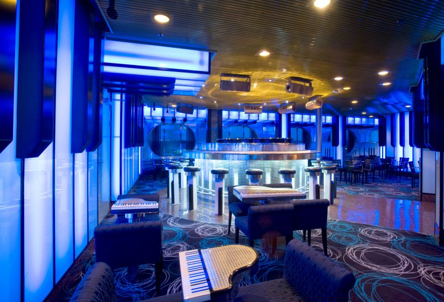 Carnival Fascination-entertaiment-Piano Bar
