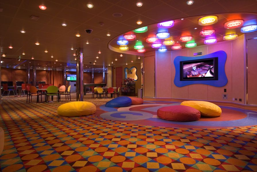 Carnival Fascination-kidsandteens-Camp Carnival