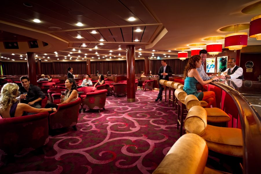 Celebrity Constellation-entertaiment-Rendezvous Lounge