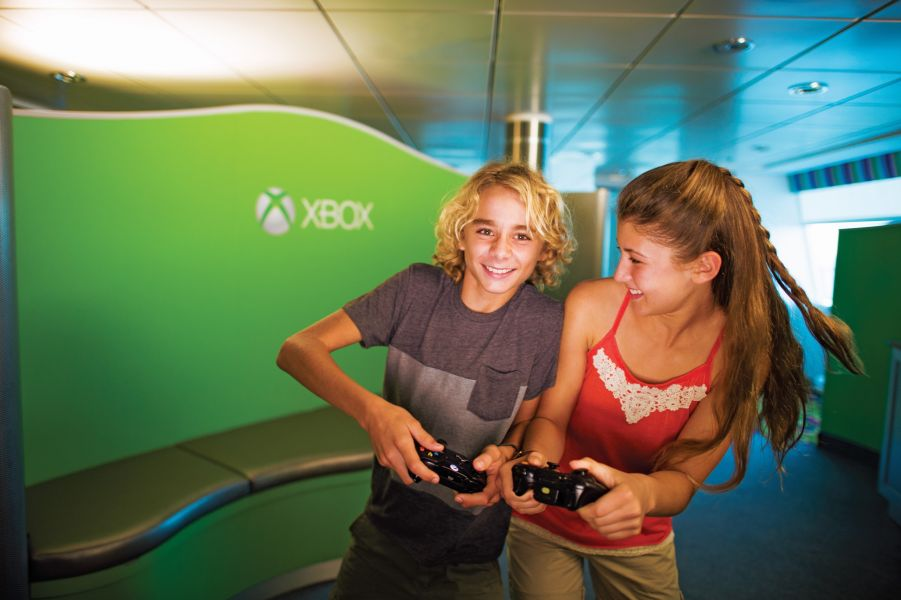 Celebrity Millennium-kidsandteens-Largest Xbox Experience at Sea