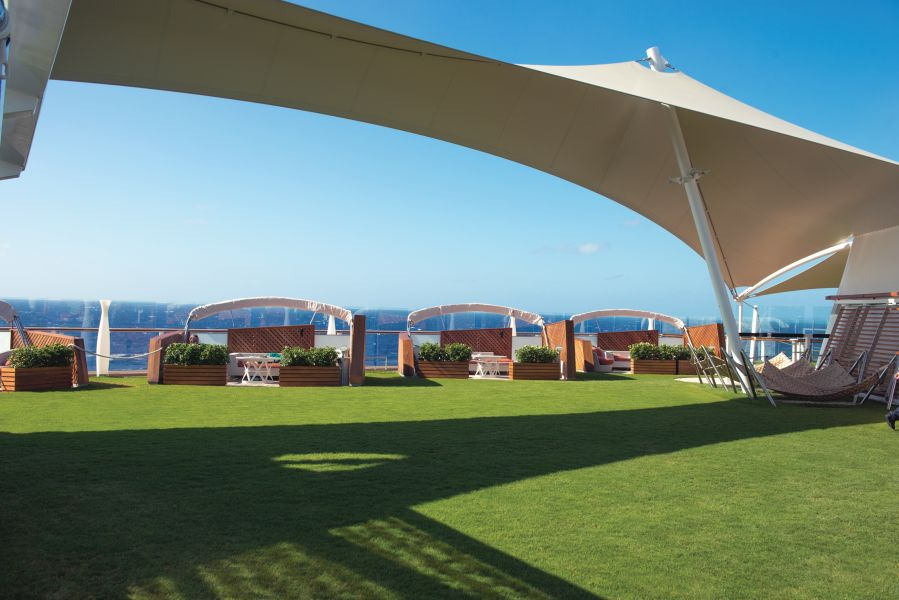Celebrity Silhouette-dining-The Lawn Club