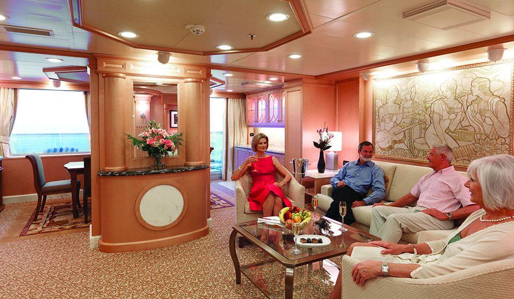 Queen Elizabeth-stateroom-
