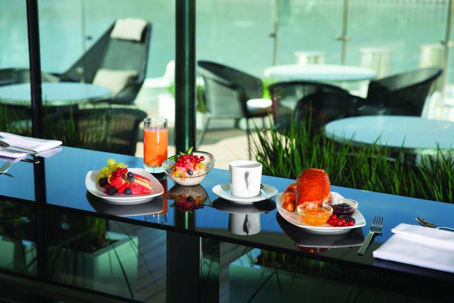 Emerald Sun-dining-