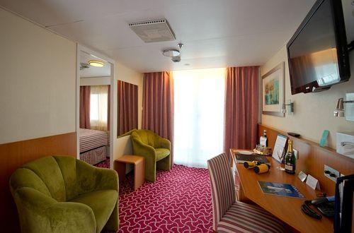 Boudicca-stateroom-Single Balcony Suite