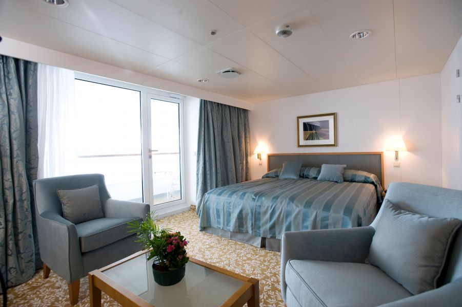 Braemar-stateroom-Balcony Suite
