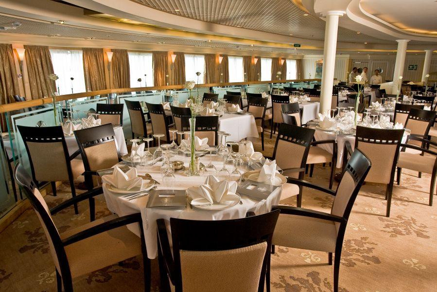 Braemar-dining-Thistle Restaurant