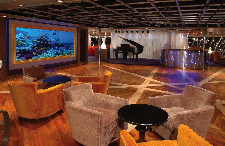 Volendam-entertainment-