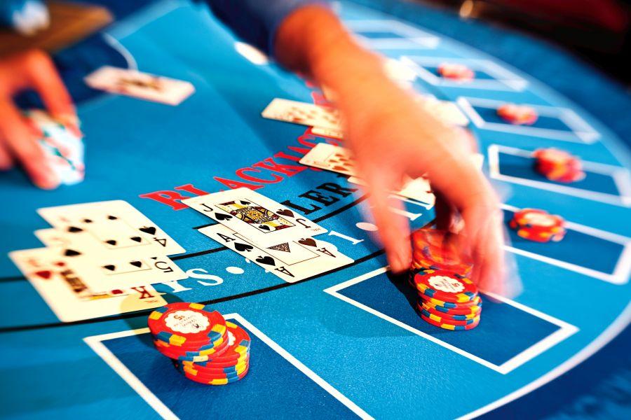 este punta card game gambling crossword del