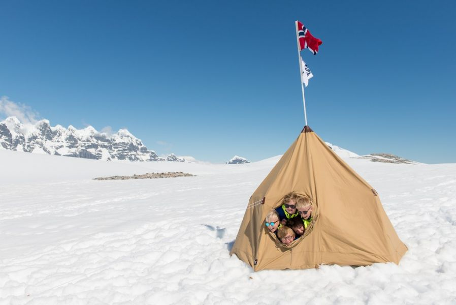 MS Roald Amundsen-kidsandteens-