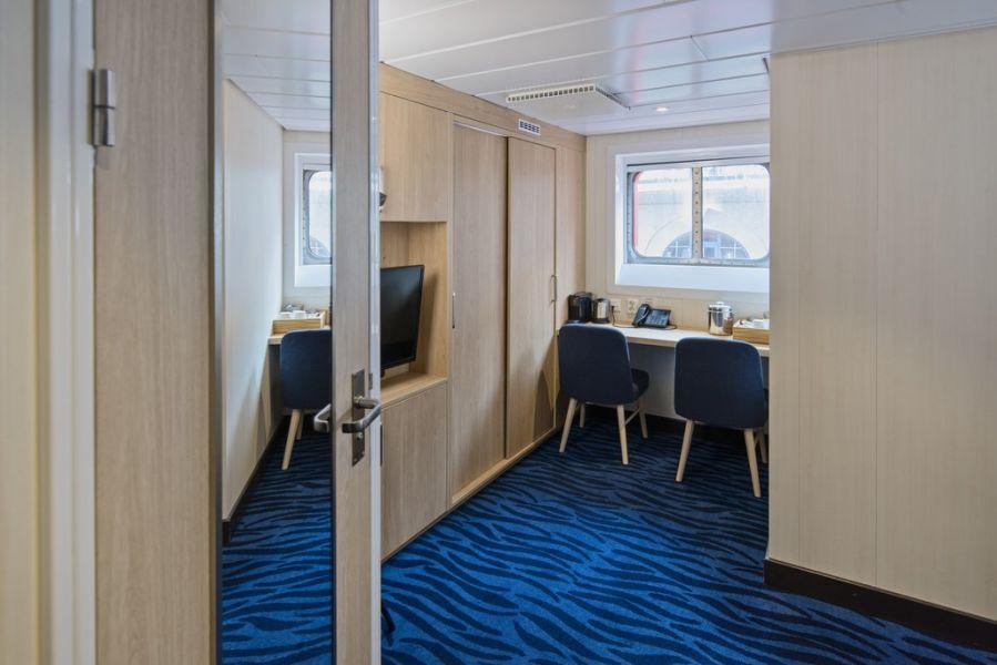 MS Spitsbergen-stateroom-