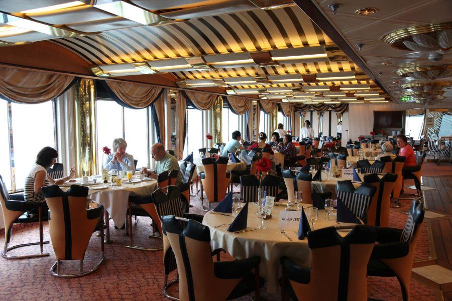 MS Polarlys-dining-