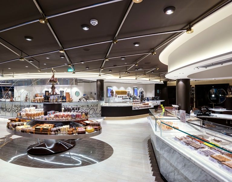 MSC Bellissima-entertaiment-Bars & Lounges