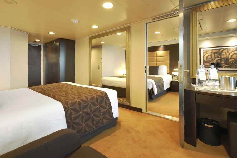 MSC Divina-stateroom-Family Suite