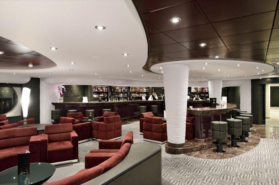 MSC Divina-entertaiment-Divina Bar