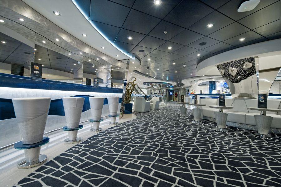 MSC Divina-entertaiment-Silver Lounge