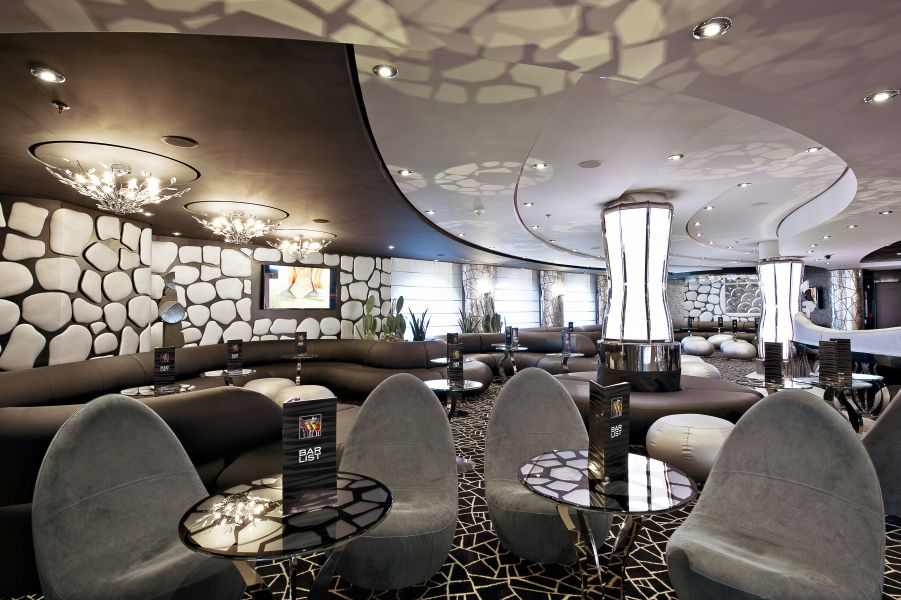 MSC Divina-entertaiment-The Black and White Lounge