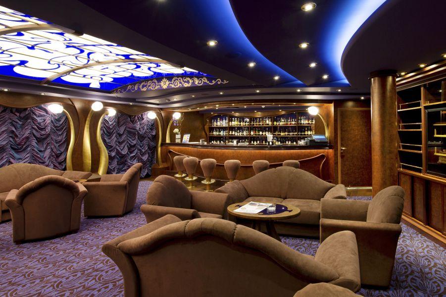 MSC Divina-entertaiment-The Cigar Lounge