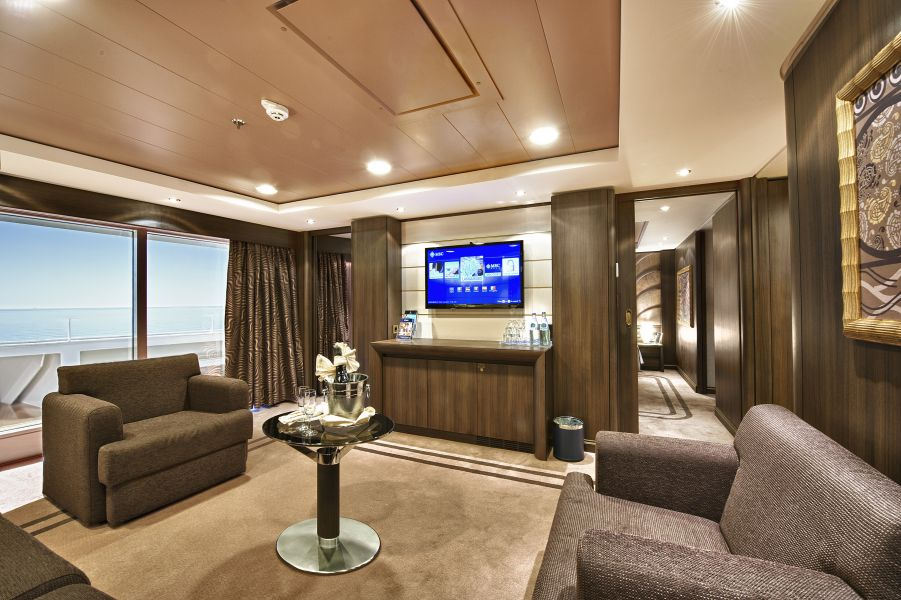 MSC Fantasia-stateroom-Executive Suite
