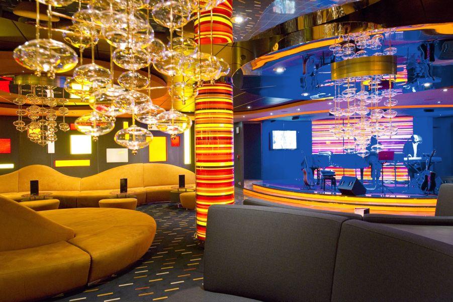 MSC Fantasia-entertaiment-Manhattan Jazz Bar