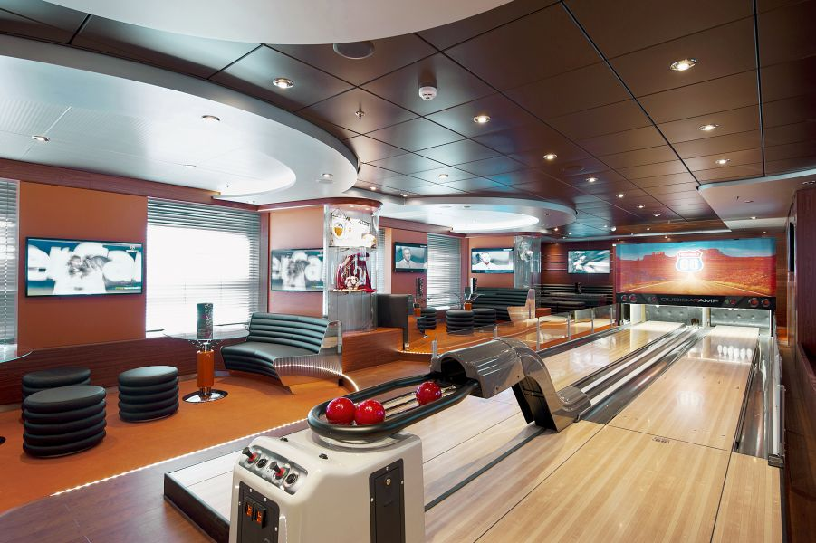 MSC Fantasia-entertaiment-Sports Bar