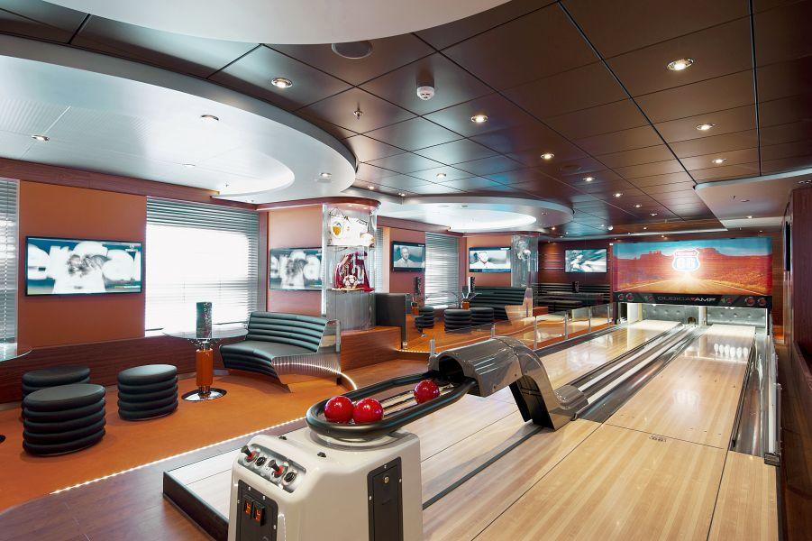 MSC Fantasia-entertaiment-Sports Bar