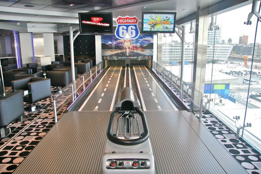 MSC Magnifica-entertaiment-Bowling Lanes