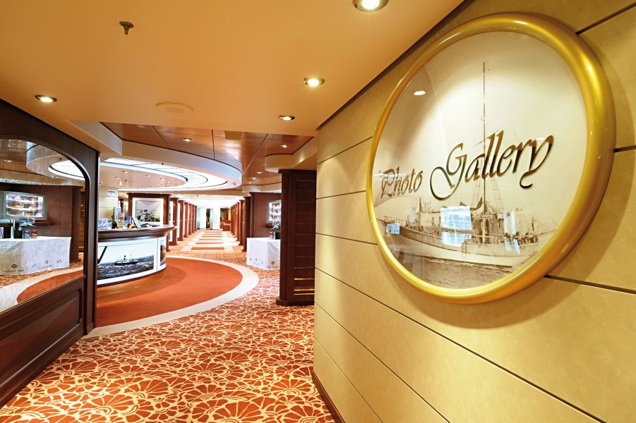 MSC Magnifica-entertaiment-Photo Gallery