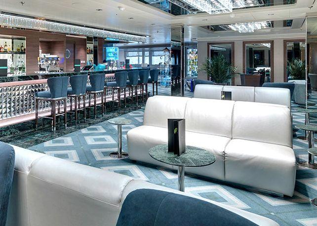 MSC Seaview-entertaiment-Wine Cocktails