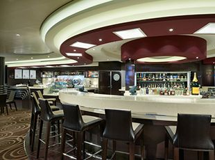 Norwegian Breakaway-entertaiment-Café at the Atrium