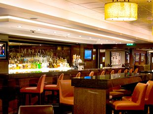 Norwegian Epic-entertaiment-Maltings Whisky Bar
