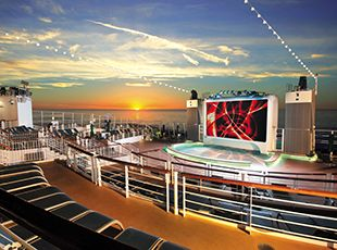 Norwegian Epic-entertainment-Spice H20