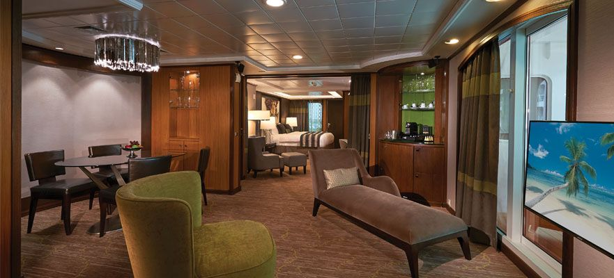 Norwegian Jade-stateroom-The Haven Deluxe Owner's Suite with Large Balcony