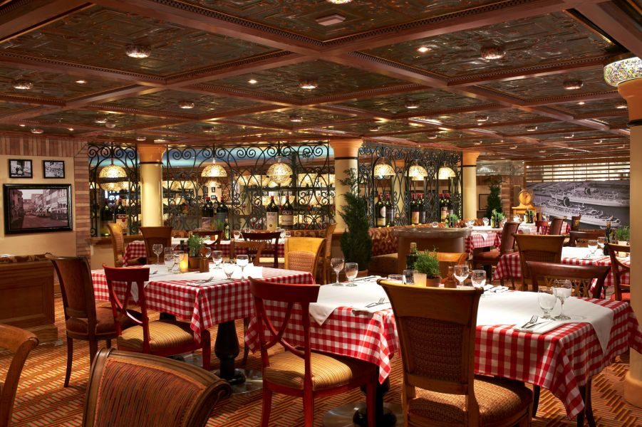 Norwegian Jade-dining-La Cucina Italian Restaurant