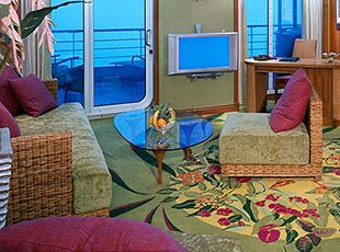 Pride of America-stateroom-Owner's Suite with Large Balcony