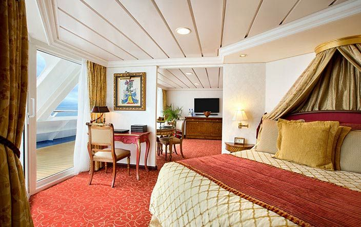 Nautica-stateroom-Owner's Suite
