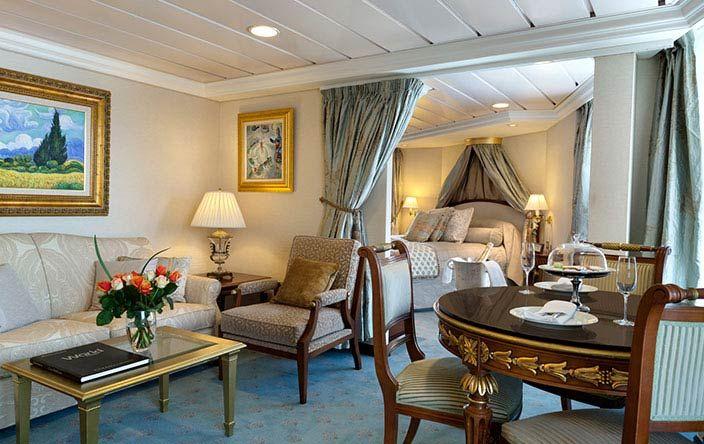 Nautica-stateroom-Vista Suite