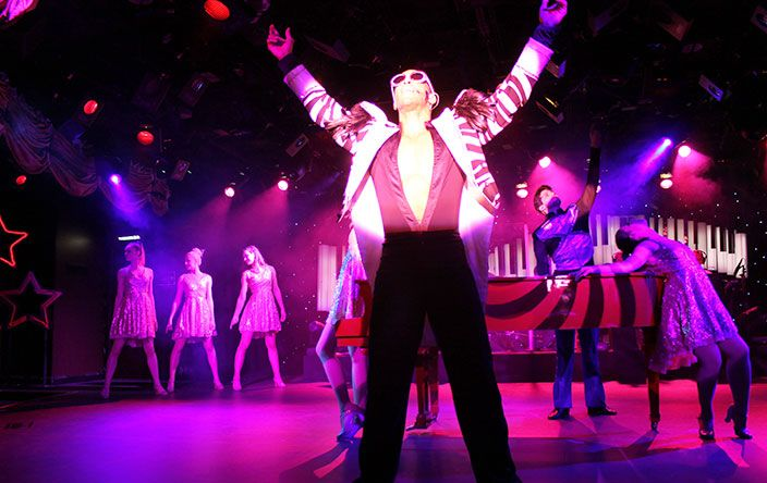Riviera-entertainment-