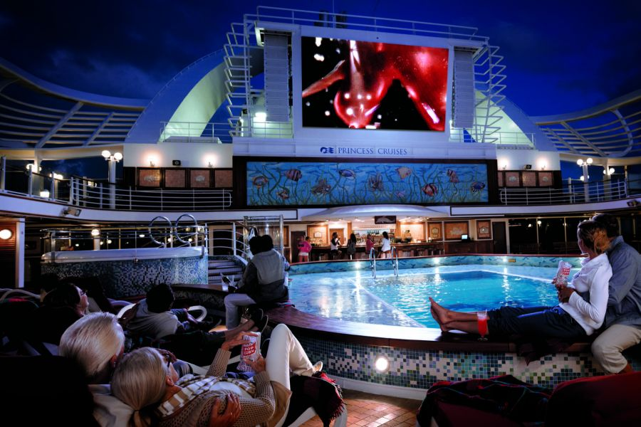 Coral Princess-entertaiment-Movies Under The Stars