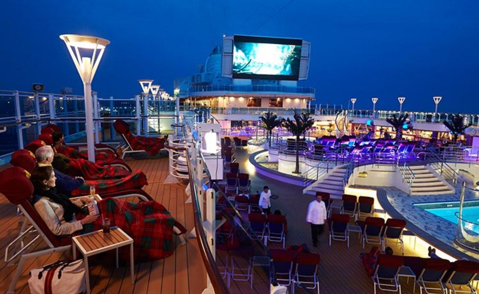 Crown Princess-entertainment-Movies Under The Stars