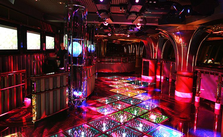 Crown Princess-entertainment-Skywalker's Nightclub