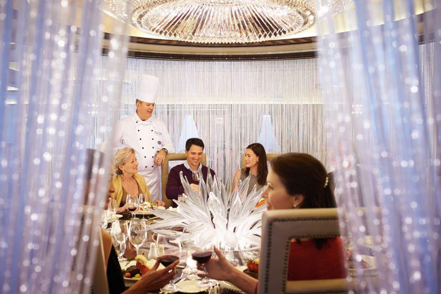 Diamond Princess-dining-