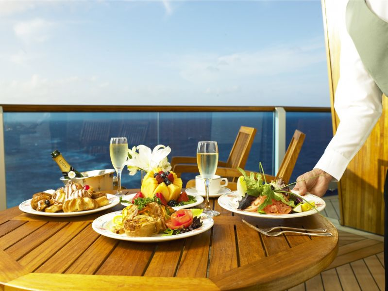 Emerald Princess-dining-Ultimate Balcony Dining