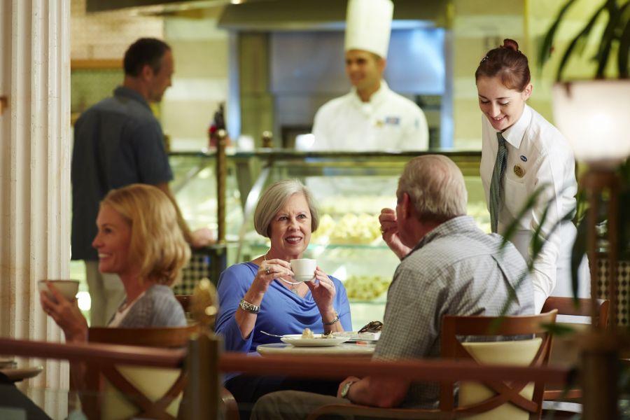 Golden Princess-dining-International Café