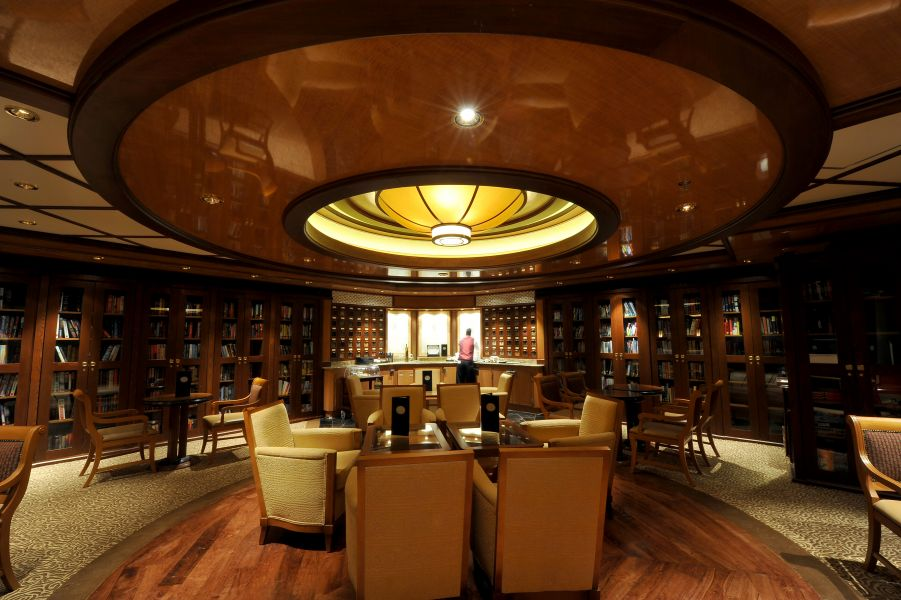 Grand Princess-entertaiment-Leaves Tea Lounge & Library