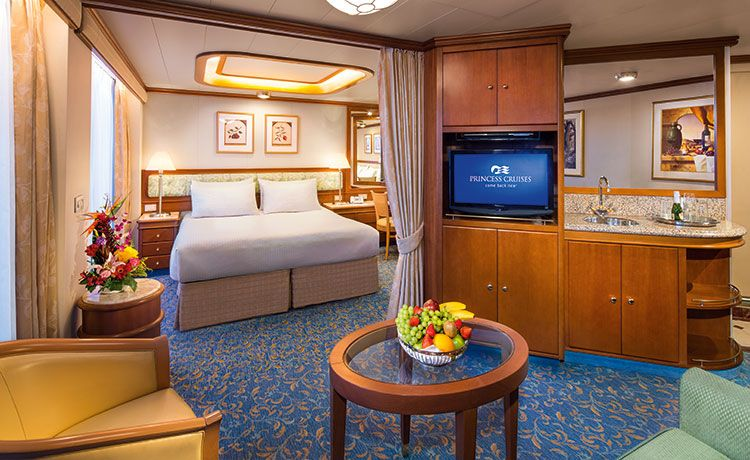 Island Princess-stateroom-Suite with Balcony