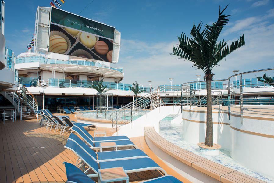 Island Princess-health-and-fitness-Pools & Spas